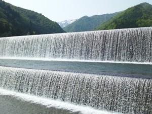 白川ダム (白川堰堤)