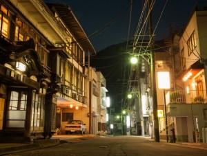 瀬見温泉街夜景